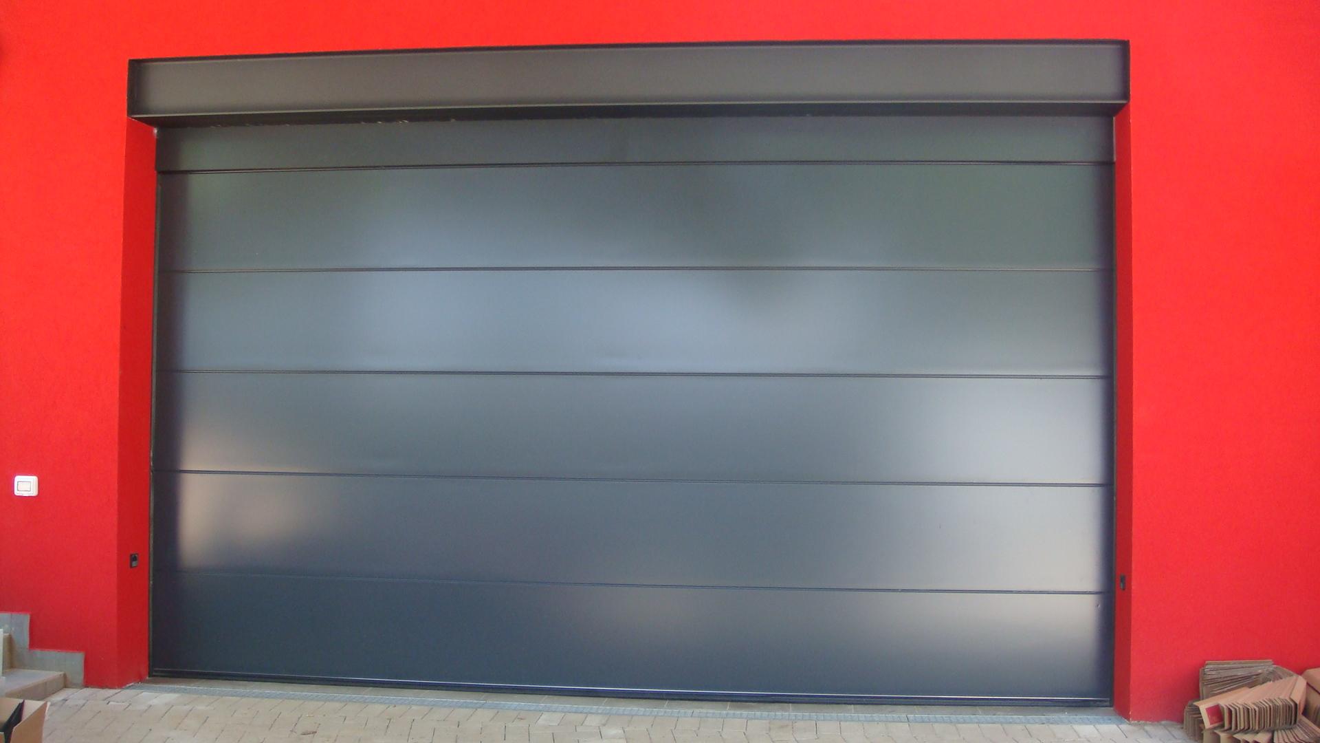 sezionale tinta ral 7016 olgiate comasco co. Black Bedroom Furniture Sets. Home Design Ideas