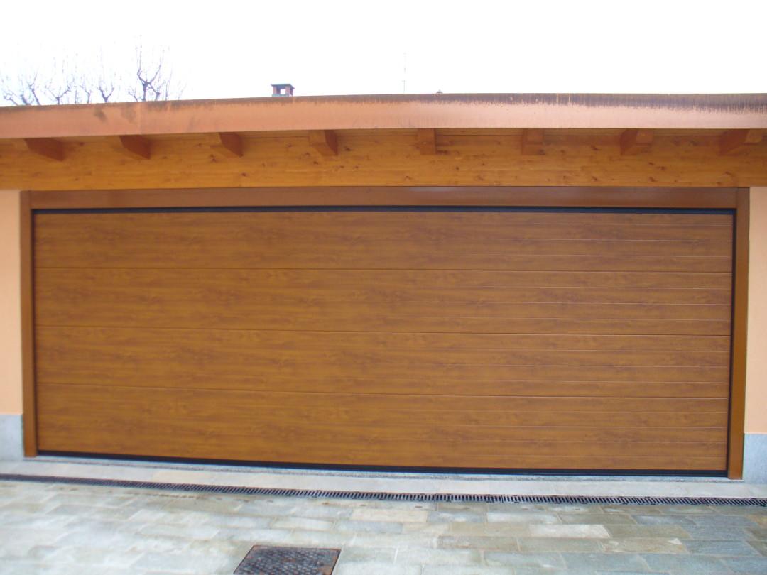 Sezionale finto legno como